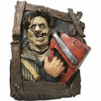 Texas Chainsaw Massacre Leatherface Wallbreaker by Rubie's.